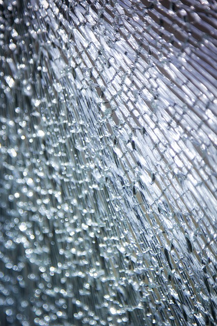 broken-glass-2208595_640